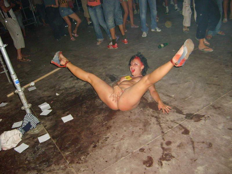 фотки пьяных девушек голых